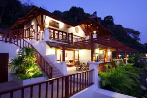 Peaceful villa overlooking Patong Bay ID.17PA4110 1