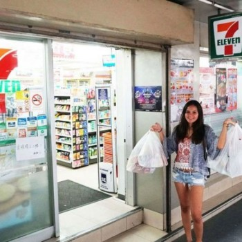 No more plastic bags at some 7 Eleven stores starting Monday 22