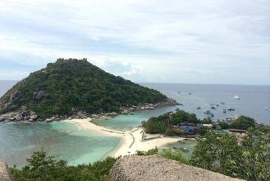 Thailand's major tourist islands may open soon to foreign travellers 3